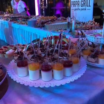 Mercedes,AMG , amg, PAPA GRILL , Event Hall, malackay, Lamč ,catering, Bratislava, susi,jedlo,super jedlo, obsluha,cetering bratislava, gastro,gastro park, papagrill,Gt,gt amg