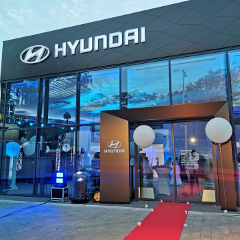 catering, amazing catering, coffeebreak, break, coffee, sweet, hyundai, senica, malacky, event, event hall malacky, new store, hyundai store, syrová misa, víno, auto opening,